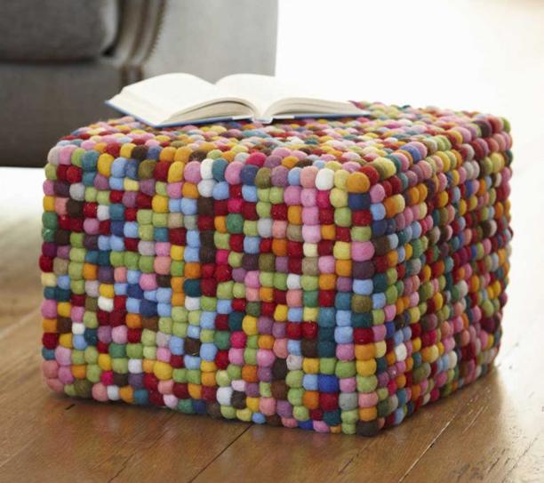 Multi pixel color pouf